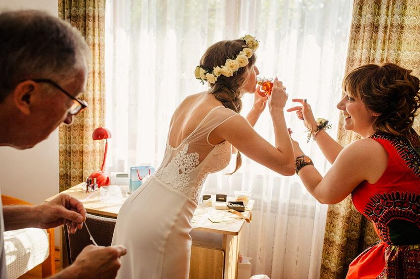 fotografia slubna milanowek 015 - Ania & Krzysiek | Ślub i wesele w Osadzie Młyńskiej
