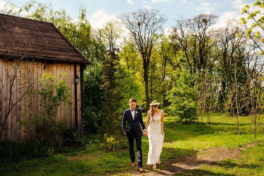 osada mlynska sesja slubna 024 - Ania & Krzysiek | Ślub i wesele w Osadzie Młyńskiej