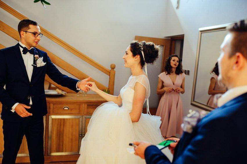 fotografia slubna gora kalwaria 053 - Karolina & Krzysiek | reportaż ślubny i sesja