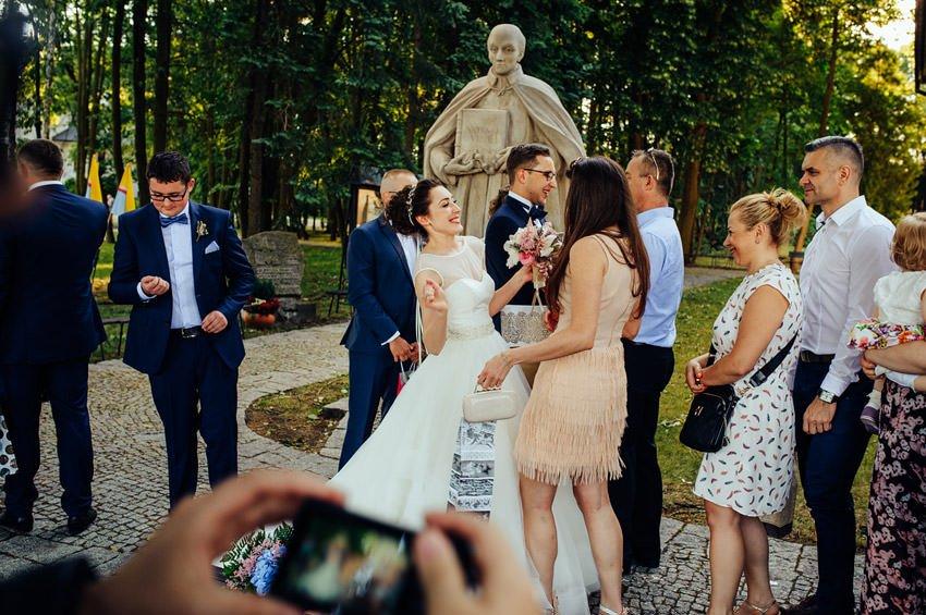 fotografia slubna gora kalwaria 076 - Karolina & Krzysiek | reportaż ślubny i sesja