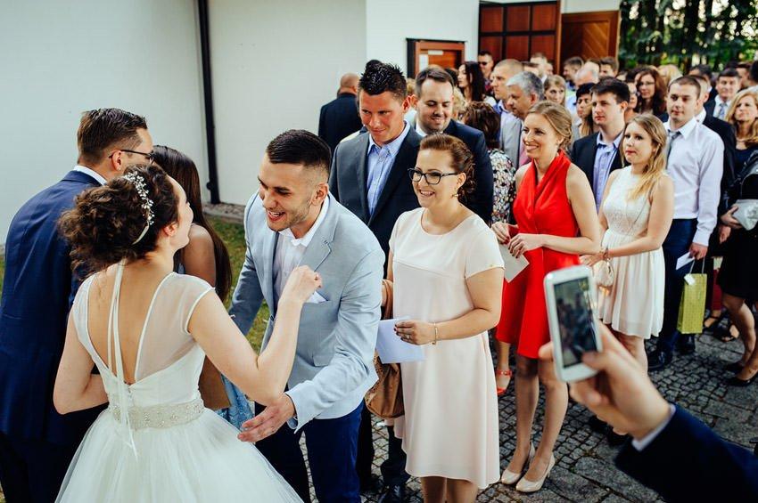 fotografia slubna gora kalwaria 079 - Karolina & Krzysiek | reportaż ślubny i sesja