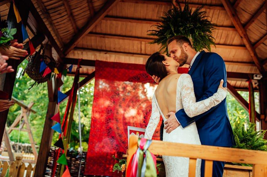 oberza pod zlotym prosiakiem slub cywilny 034 - Ola & Paweł | Ślub i wesele w Oberży pod Złotym Prosiakiem